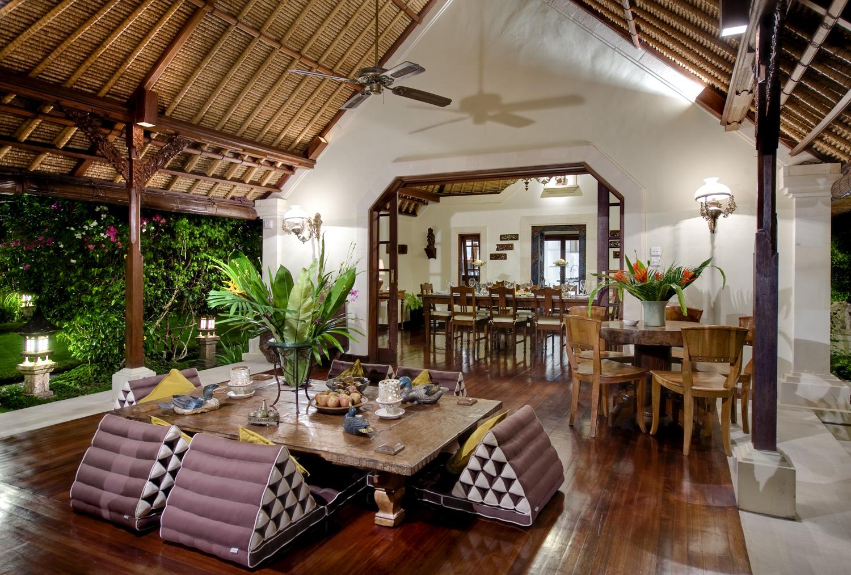 Taman Sorga - Dining verandah table