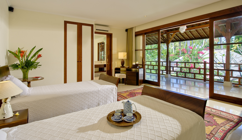 Taman Sorga - Guest wing first twin bedroom