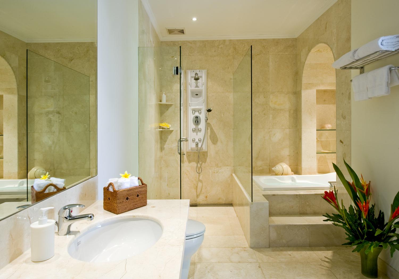 Taman Sorga - Guest wing master bathroom