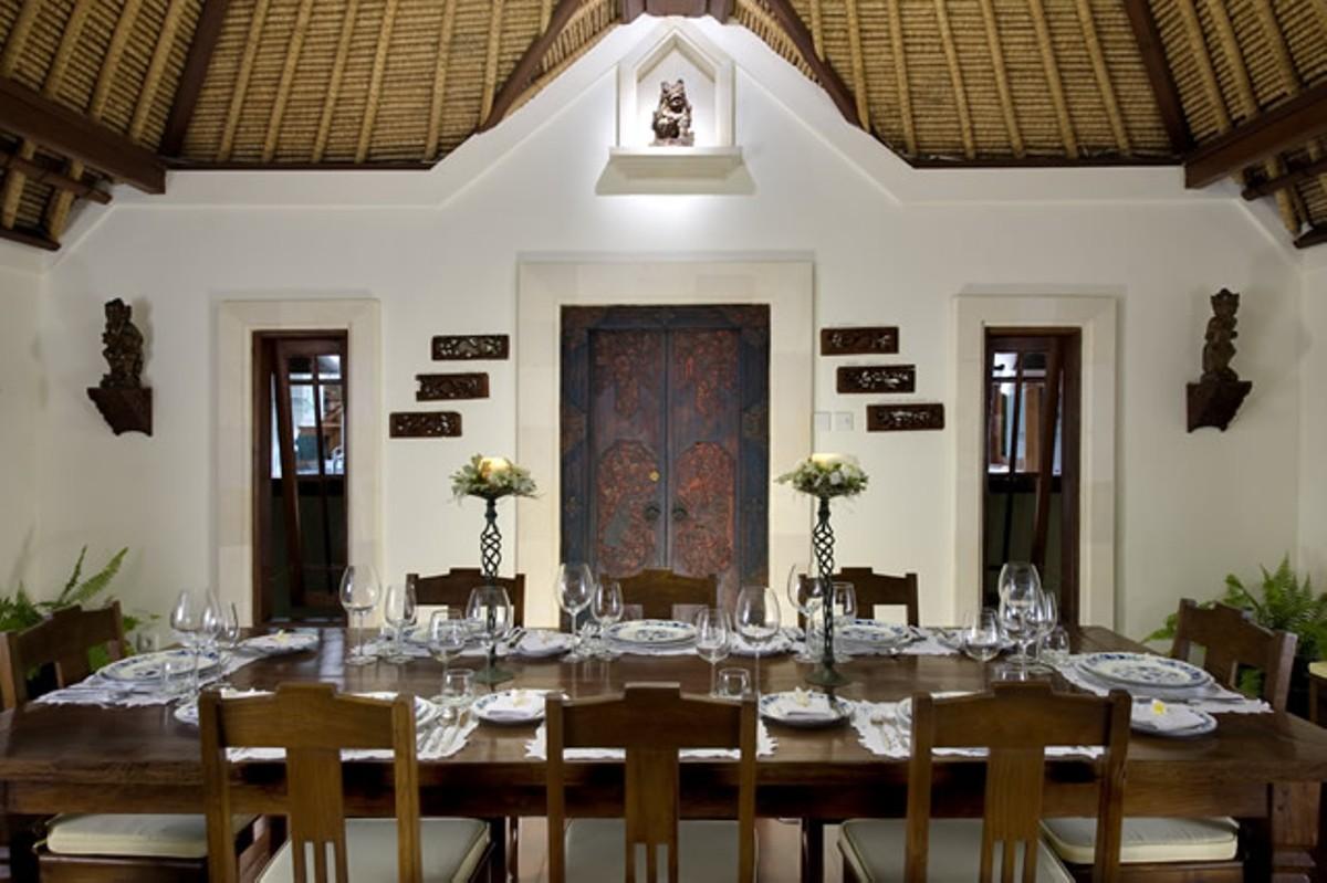 taman-sorga-formal-indoor-dining-room
