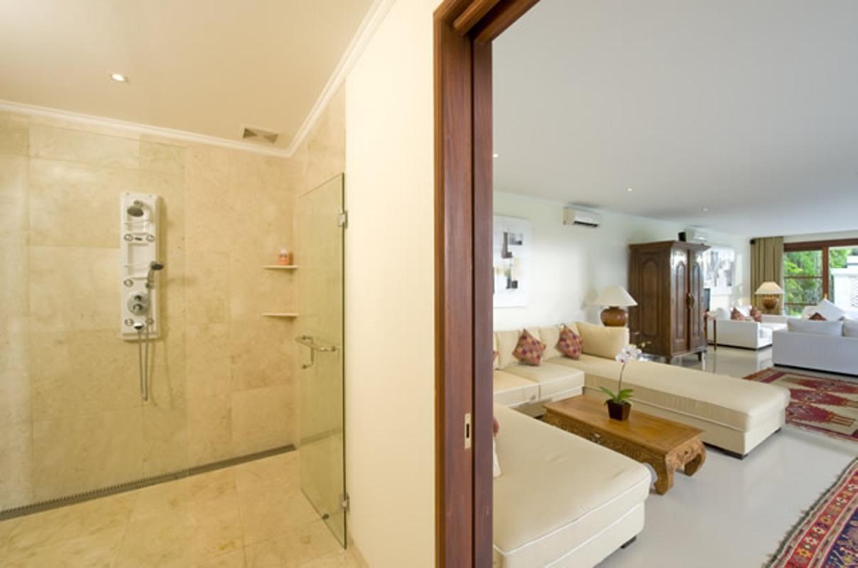 taman-sorga-guest-wing-studio-bathroom