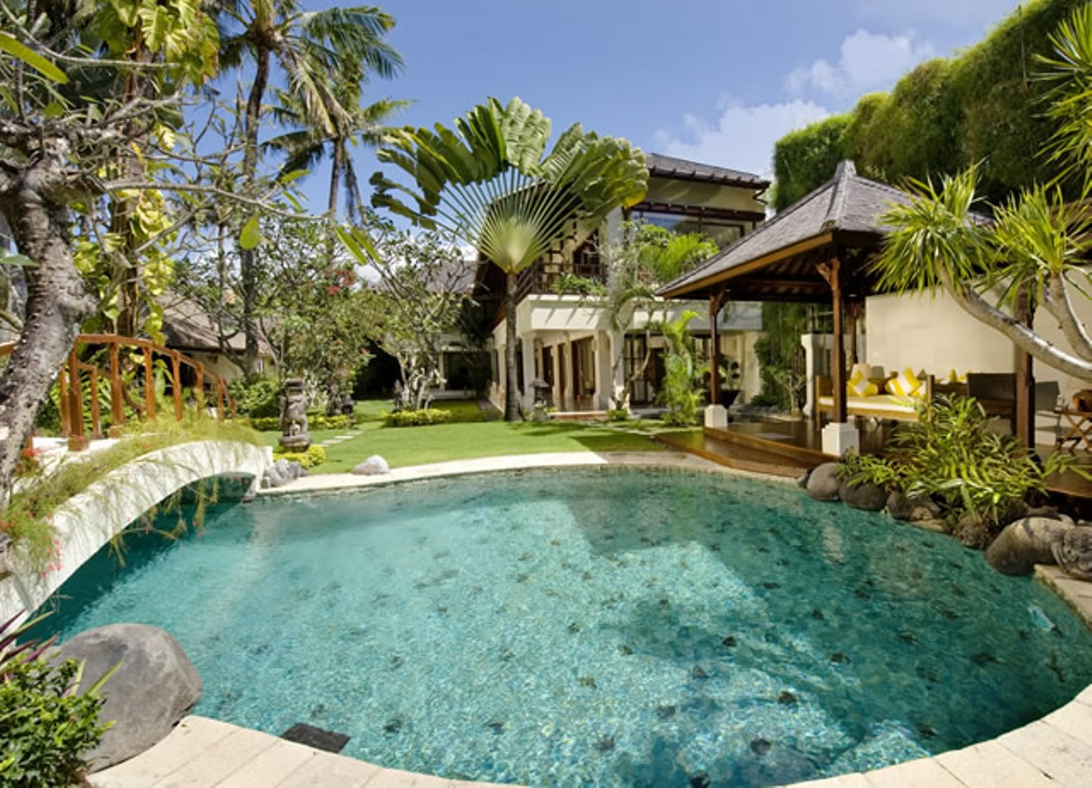 taman-sorga-swimming-pool-guest-wing-and-pool-house