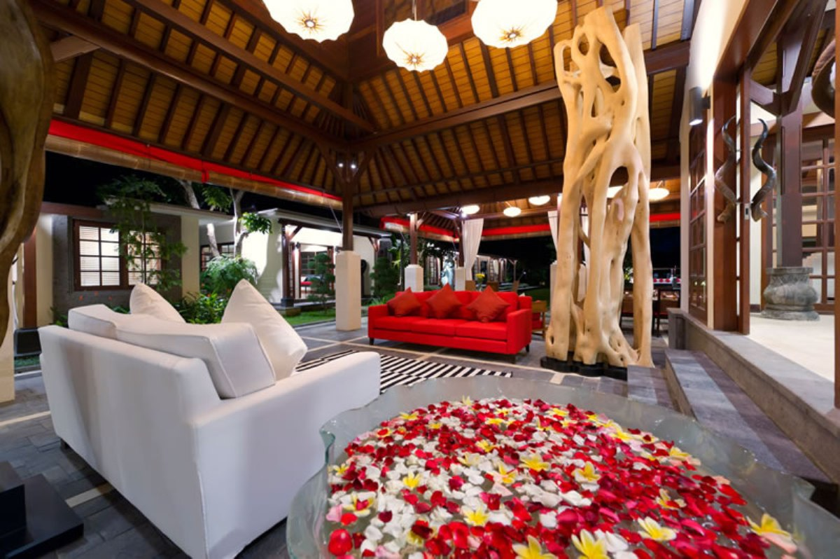 1-villa-san-outside-living-room-from-media-room