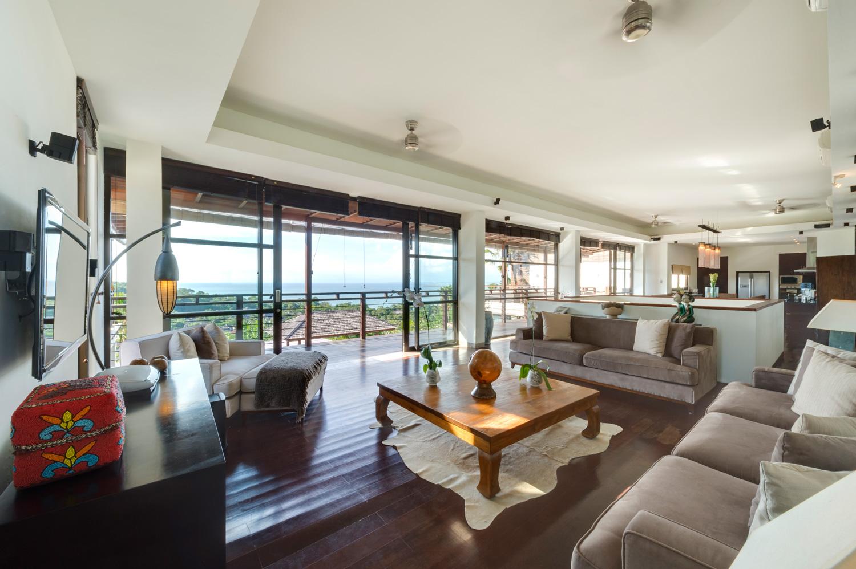 Villa Jamalu -  Living Room
