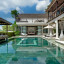 Villa Jamalu -  Pool from left end