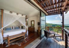 Villa Jamalu -  Upstairs Master Bedroom
