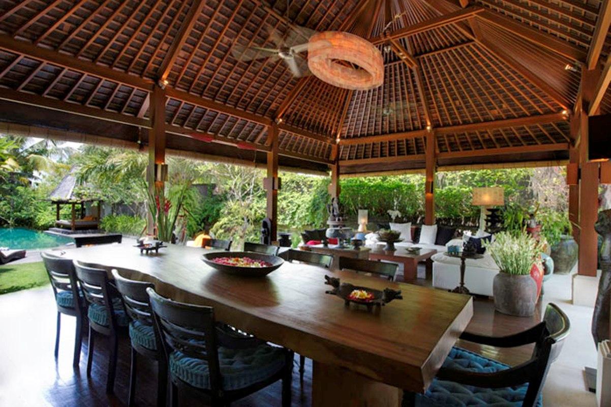 villa-hansa-dining-room