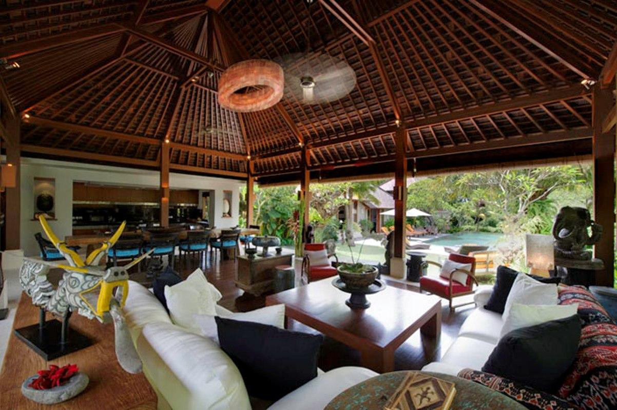 villa-hansa-living-room