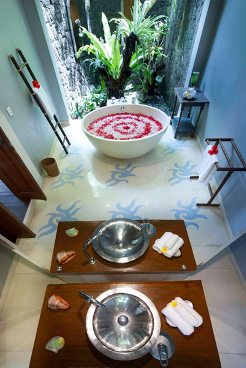 villa-hansa-shiwa-bathroom