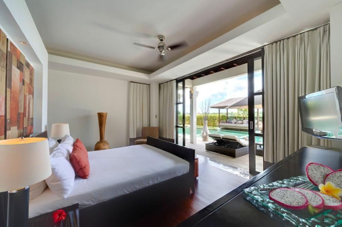 villa-jamalu-guest-bedroom-1