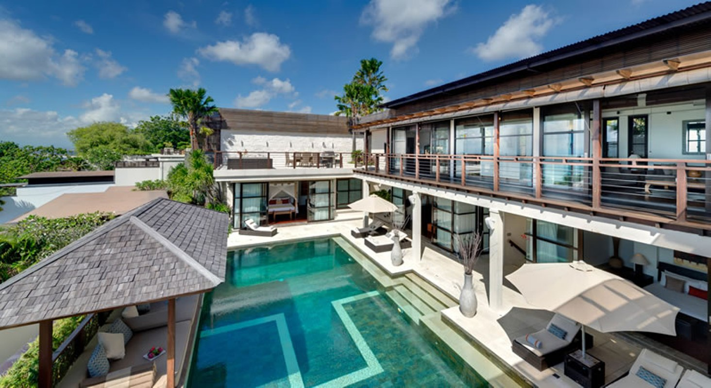 villa-jamalu-view-from-upstairs-master-bedroom