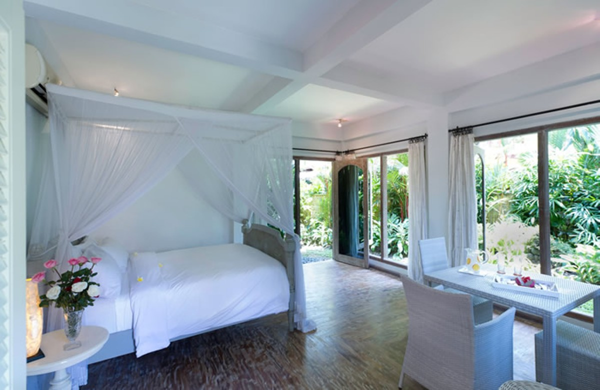 villa-shamira-downstairs-bedroom