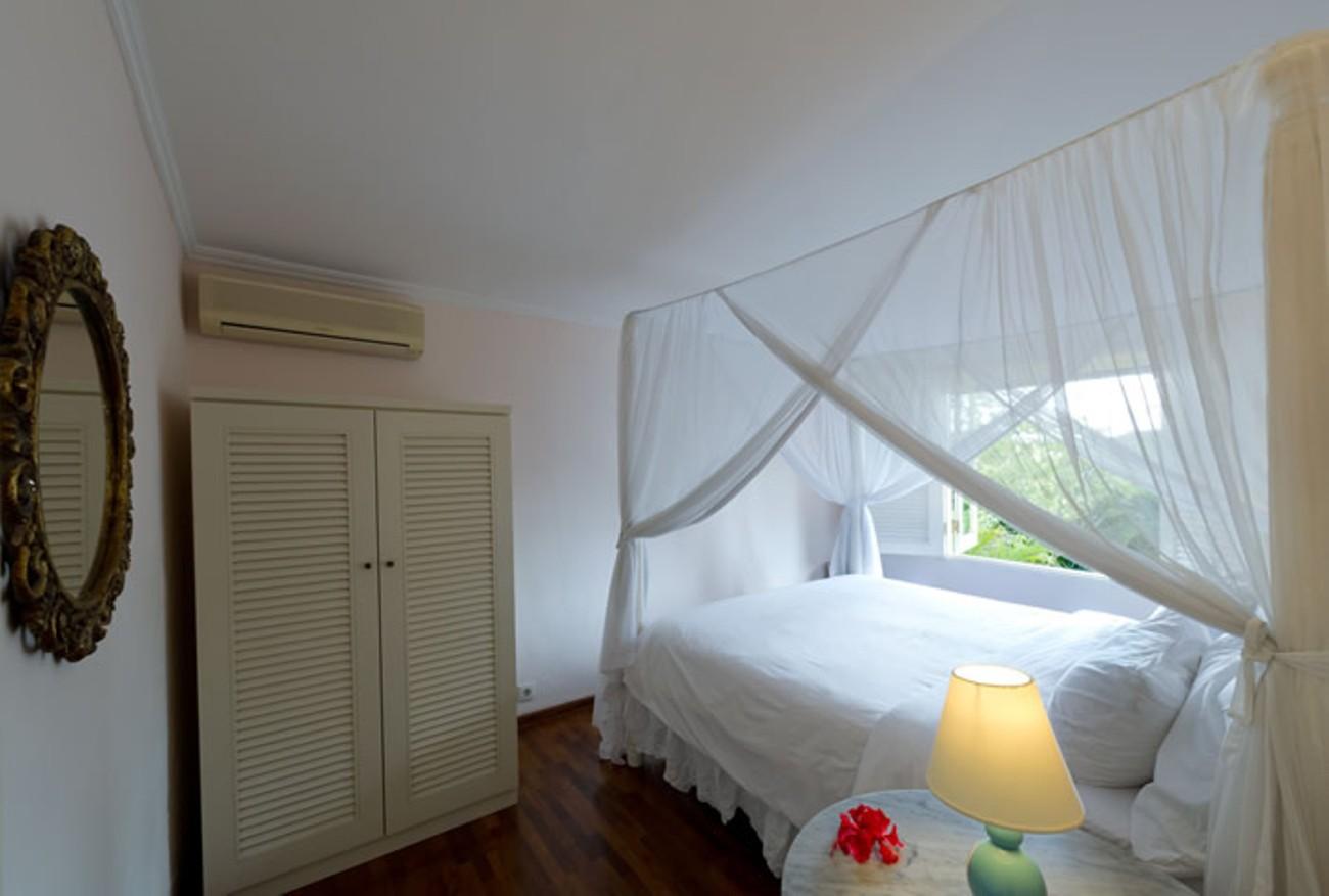 villa-shamira-upstairs-bedroom-1