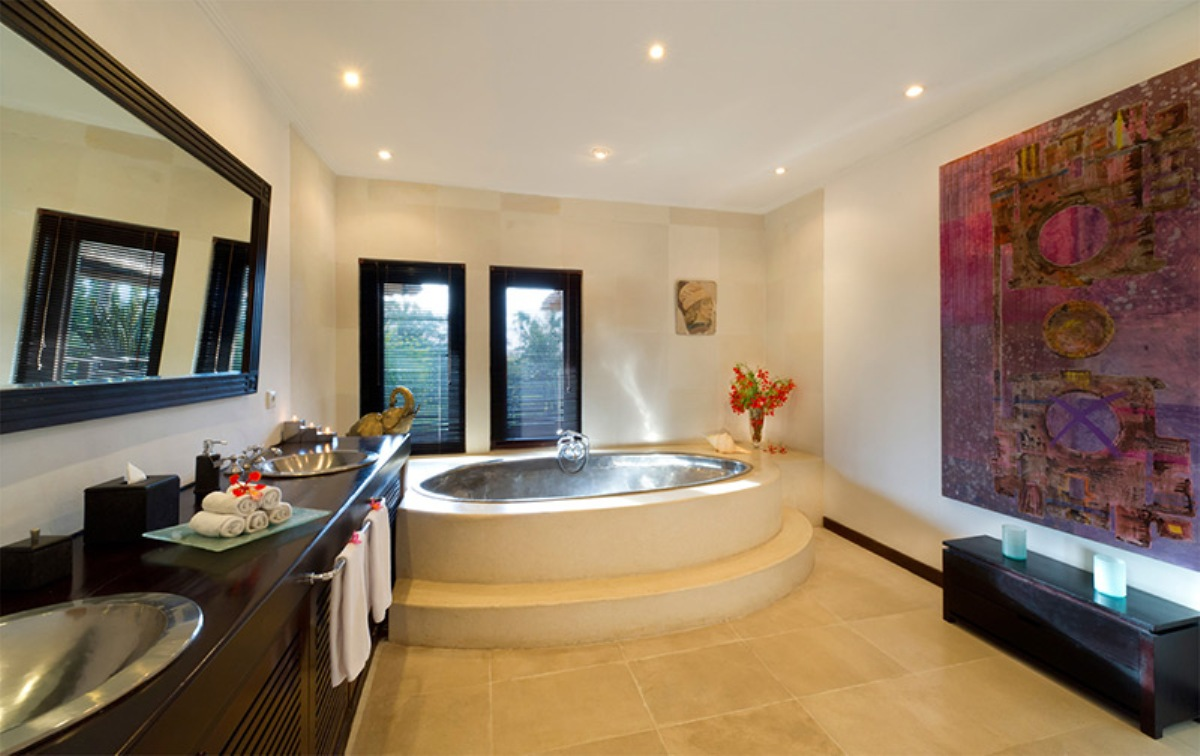 chalina-estate-master-bathroom