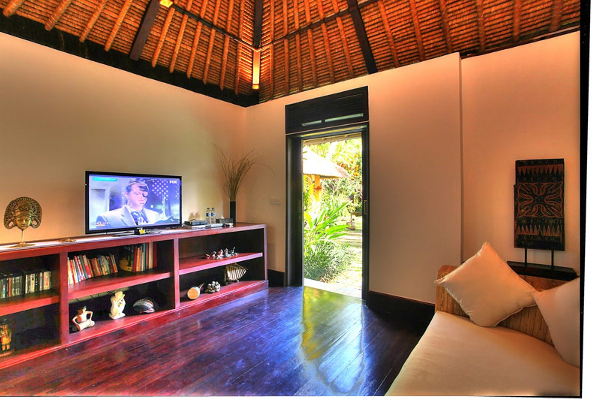 TV-room-looking-out