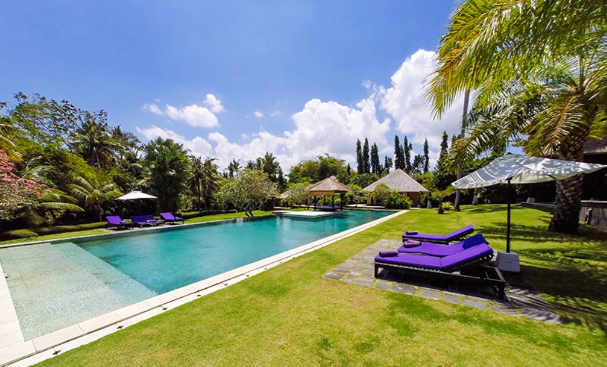 the-chalina-estate-the-pool