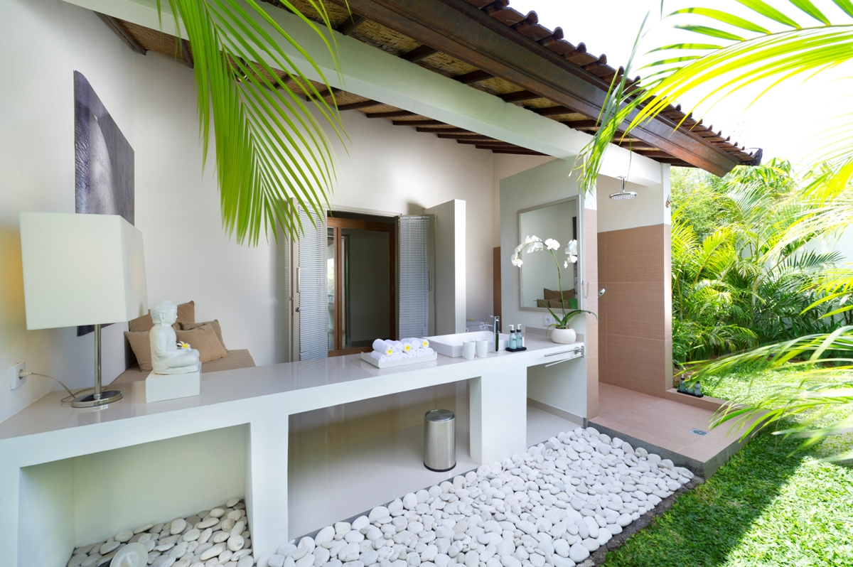 bathroom-outdoor