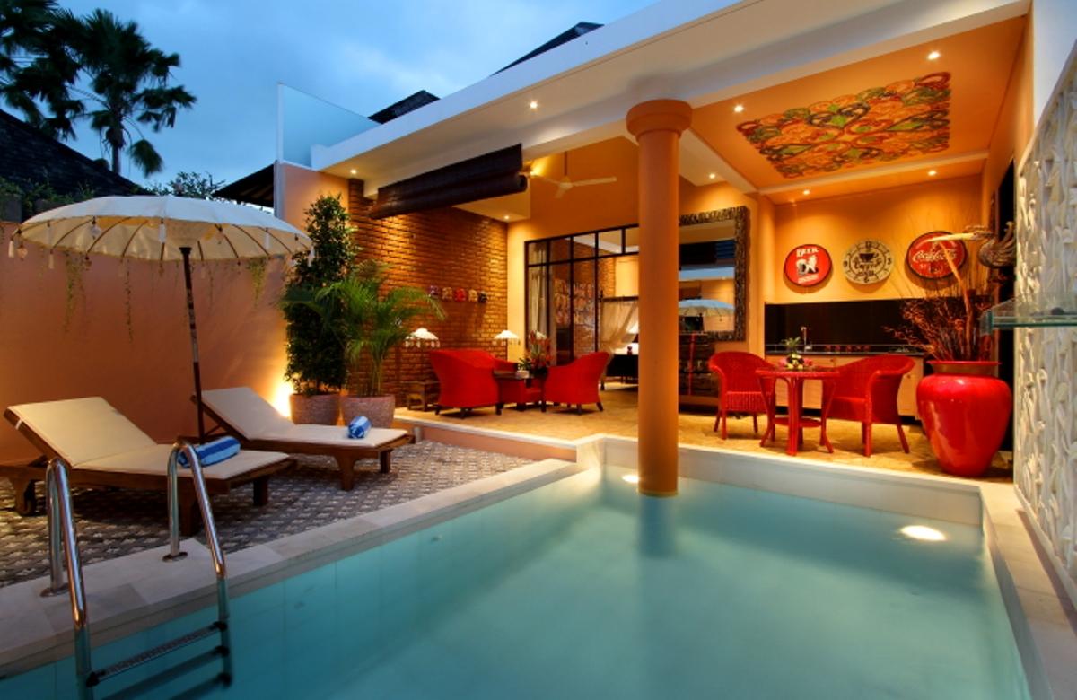 pool-at-dusk